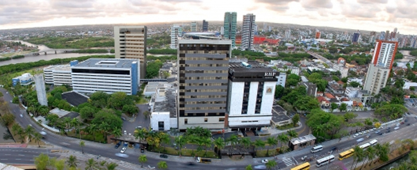 http://iggpe.com.br/wp-content/uploads/2015/12/complexo-hospitalar-jpg-1.jpg