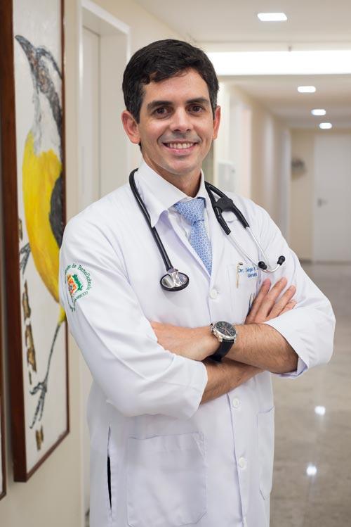 http://iggpe.com.br/wp-content/uploads/2015/12/dr-sergio2.jpg